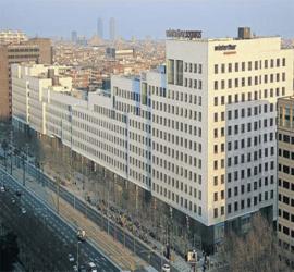 Edificio Illa Diagonal – Barcelona